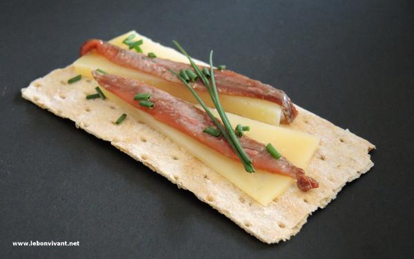 Queso-Manchego-con-anchoas_Manchego-Käse-mit-Sardellen